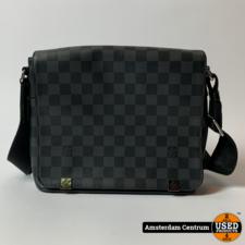 Louis Vuitton N41028 District PM shoulder bag Damier Graphite 2018 | In nette staat