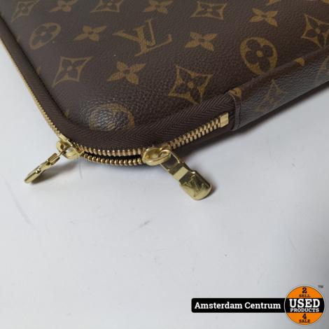 Louis Vuitton Laptop Sleeve Monogram Bruin 13 Inch   Nette staat