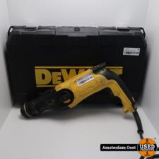 Dewalt D25114-QS Boormachine in koffer