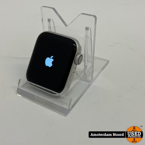 Apple Watch 4 40mm Silver Aluminium + Milanese Loop