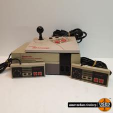 nintendo Nintendo Nes 8 bit + 2 controllers + joystick