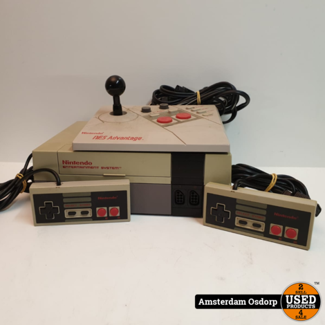 Nintendo Nes 8 bit + 2 controllers + joystick
