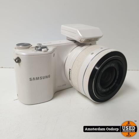 Samsung NX2000 + 20-50mm lens wit | nette staat