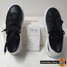Alexander McQueen Alexander McQueen Oversized Sneaker van kalfsleer   maat 40