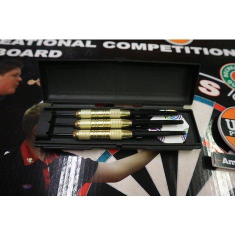 Bull's Classic Bristle Dartboard met 3 stuks dartpijlen   Nieuw in doos