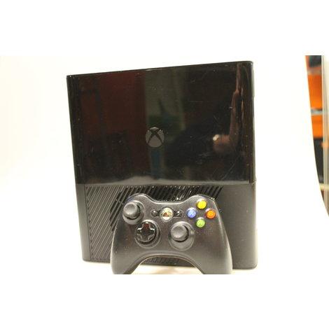 XBOX 360 Elite met controller