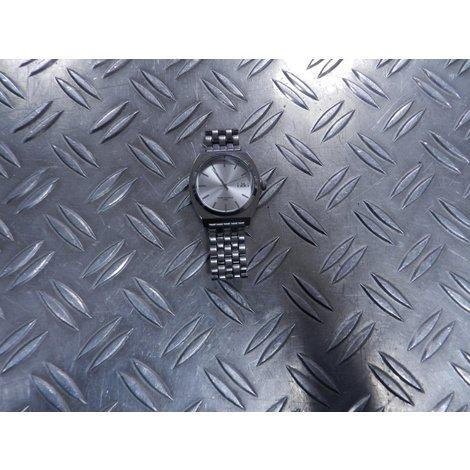 Ikki Zilver Horloge in Goede Staat