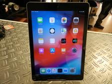 Apple Apple iPad 5 (2017) 128 GB Space Gray iOS 12.4 -  In Prima Staat
