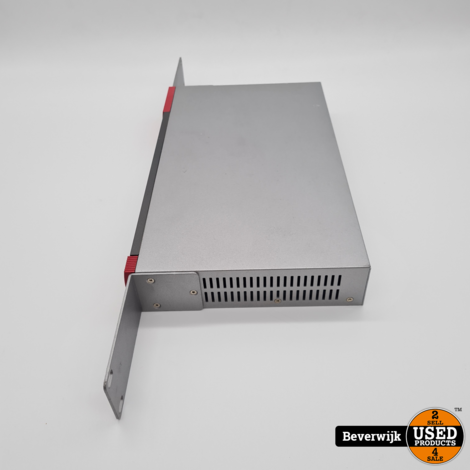 ZyXEL USG110 Firewall / 7 Poorts Switch - In goede staat