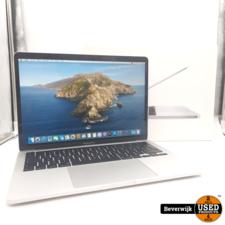 Apple Apple Macbook Pro 2020 Touchbar 256GB GB i5 - Zo Goed Als Nieuw
