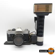 Canon FTB Retro Camera met Flitser - In Goede Staat