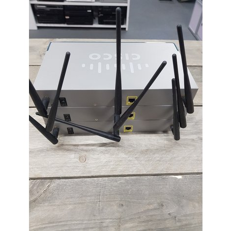 3 Cisco Router SKS89 Set  || In nette staat ||