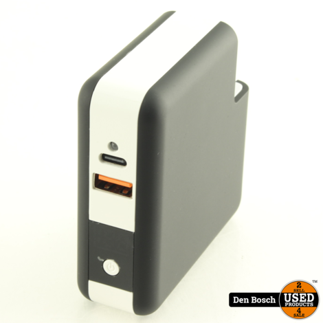 Fuse Chicken Universal All-In-One Travel Charger