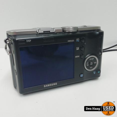 Samsung NX100 Zwart + 20-50mm
