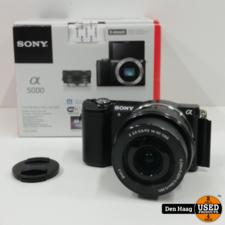 Sony A5000 + 16-50mm f/3.5-5.6 Zwart