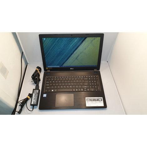 Acer Aspire A315-51-35WL met lader in nette staat