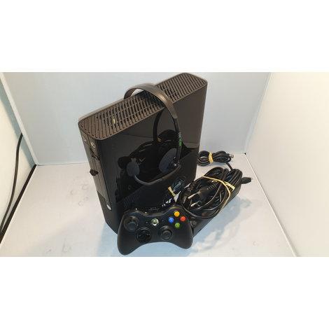 Xbox 360 250GB met controller en headset