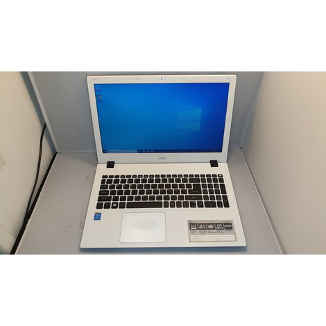 Acer E5-573-56 MT met lader | Core i5 / 4GB / 500GB |