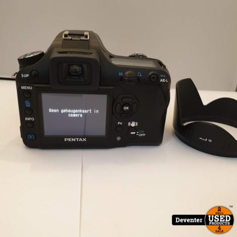 Pentax K100D met Sigma 28-300 mm DL Hyperzoom lens en tas