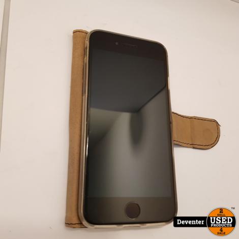 Apple iPhone 7 64GB zwart met hoesje / Accu 87%