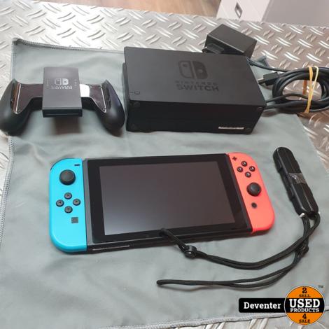 Nintendo Switch (HAC-001) Zeer nette staat met garantie