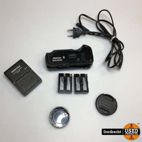 Pentax K10D met 100-300 lens Batterij extender en lader | Met garantie