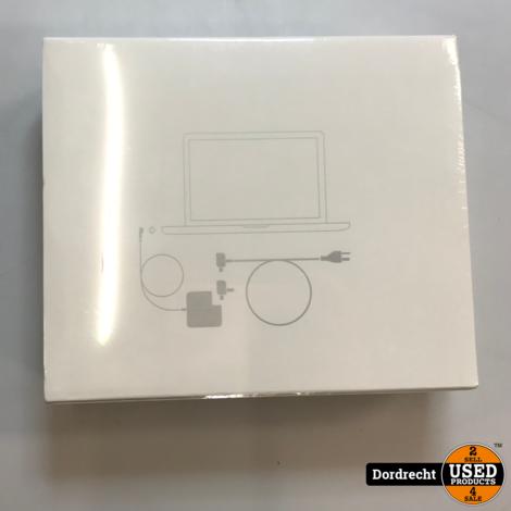 Macbook Pro / Air Adapter / Lader    Nieuw in doos    Met garantie