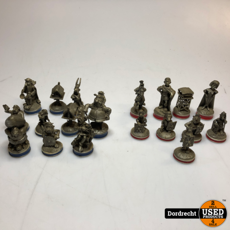 The Great Astrerix en chess Set | Tinnen schaak spel | Incompleet
