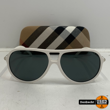 Burberry B4063 zonnebril   In hoes