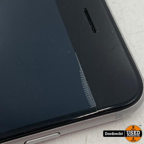 iPhone 6 128GB Zilver   Accu 100%   Lichte schade scherm   Met garantie