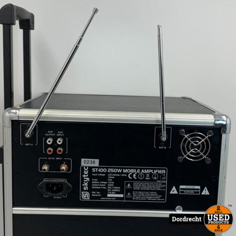 SkyTec ST100 Mobiele Geluidsinstallatie | Met 2 microfoons | Met garantie