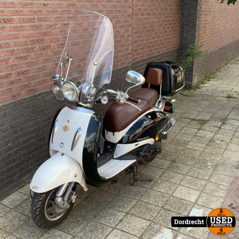 Killerbee custom retro scooter | Opknapper | Start niet | Zonder garantie