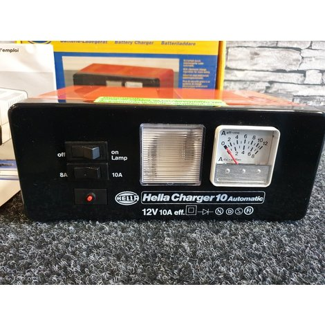 Hella Charger 10 - Automatic 12V -.- 10A - Acculader