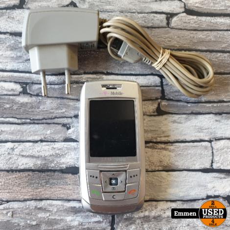 Samsung SGH-E250 - Met oplader