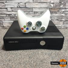 XBOX 360 Slim - 4 GB + Controller