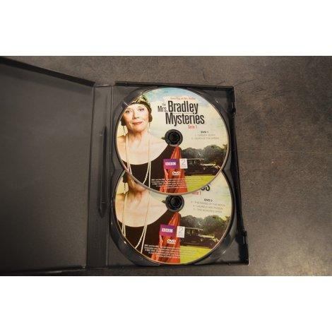 DVD Box Mrs. Bradley mysteries S1