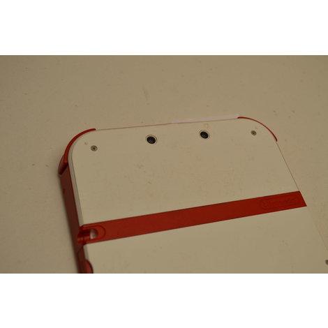 Nintendo 2DS wit/rood met oplader  (rubbertje eraf)