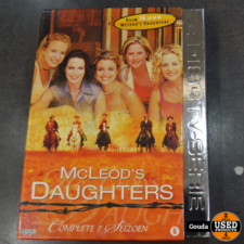 Dvd box MC leods daughters seizoen 1