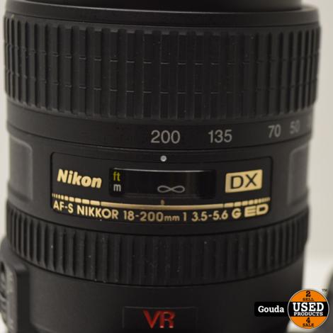 Nikon D7200 met Nikon AF-S Nikkor 18-200 1 3.5-5.6 incl. 1 accu en oplader 2 x 16 GB SD card
