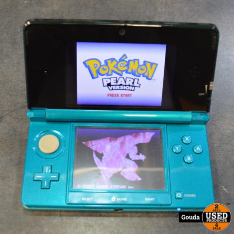 Nintendo 3DS groen met docking en games op kaart