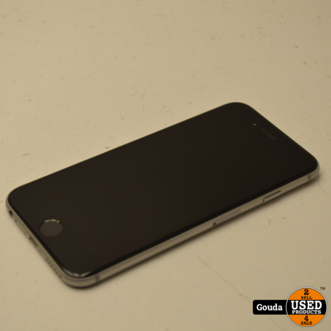 Apple iPhone 6 16 GB Silver IOS 12.5.3 Batterij capaciteit 92% met USB kabel