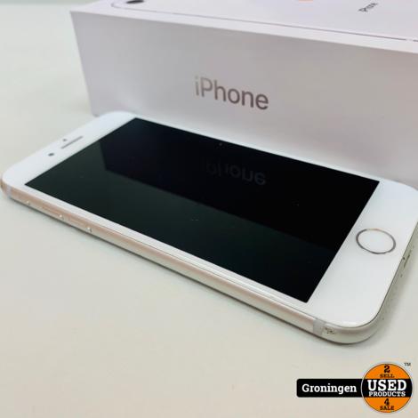Apple iPhone 8 64GB Silver | Scherm licht beschadigd | Accu 87% | incl. lader, boekjes en doos