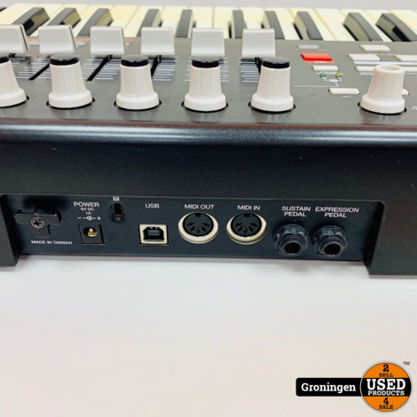 AKAI Professional MPK 49 USB/MIDI Performance Keyboard | incl. USB-kabel