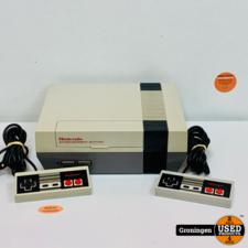 Nintendo NES [NES] Nintendo Entertainment System NESE-001   incl. 2 controllers en kabels