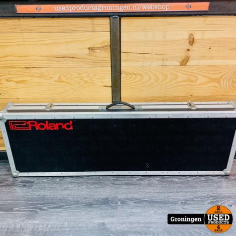 Roland Flightcase 136,5 x 43,5 x 16 cm (Binnenmaten: 132,5 x 39,5 x 13 cm)