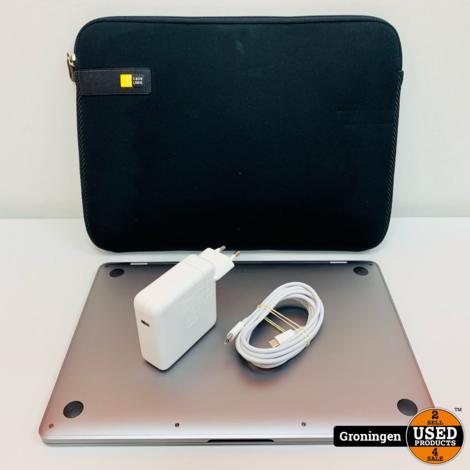 Apple MacBook Pro 2017 13'' Silver   Core i5   8GB   256GB SSD   macOS Big Sur 11.2   licht beschadigd   incl. Sleeve en MagSafe-adapter