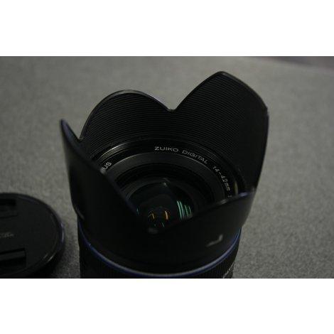 Olympus Zuiko 14-42mm F 3.5-5.6 ED lens