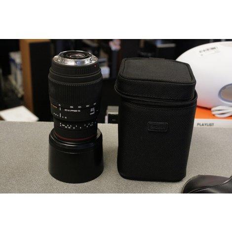 Sigma APO DG  70-300mm 1:4-5.6 cameralens met Sony voet
