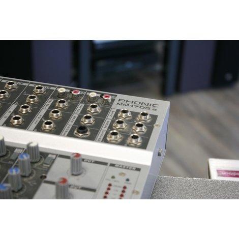Phonic MM1705A 11 kanaals mixer inclusief voeding