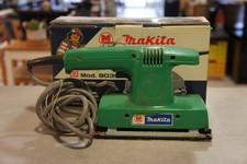 Makita Makita 9035 vlakschuurmachine in doos